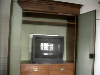 Hold your TV in an old amoire