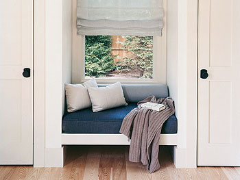 Window seat in the guest bedroom