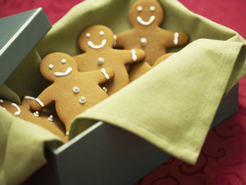 Gingerbread men cookies in a box