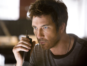 Dylan McDermott in Dark Blue