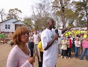 Kevin Garnett and Gayle King share the exciting news.