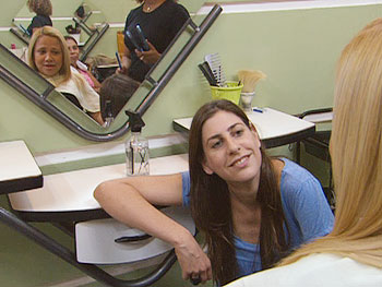 Ilana Rehavia visits a beauty salon.