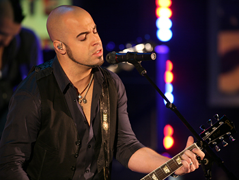 Daughtry performs Feels Like the First Time.