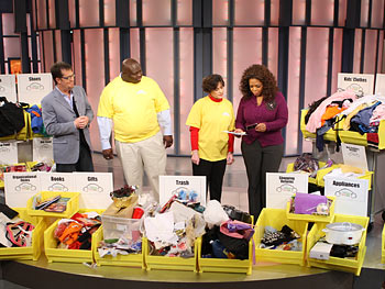 Lynne and T.J. tell Oprah and Peter Walsh what they found when cleaning their messy SUV.