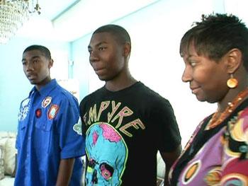Candice, Derek and Darrien get their weeklong financial challenge.