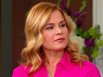 Chef Cat Cora reveals the 10 things to keep in your kitchen.