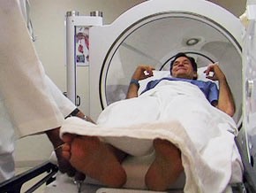 Dr. Oz tries hyperbaric oxygen therapy, a longevity tool.