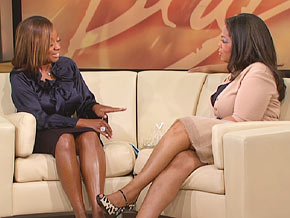 Star Jones says she tried to disguise her weight by increasing the size of her persona.