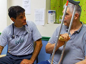 Dr. Dan Bell treats patients at ECHO Health Clinic.