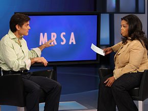 Dr. Oz explains the symptoms of MRSA, the deadly superbug sweeping the nation.