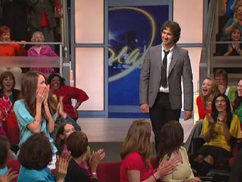 Josh Groban surprises Savanna.