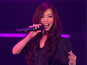 "Jane Zhang performs ""Lovin' You"""
