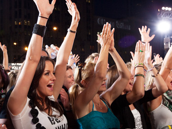 Fans cheer at Oprah's Season 24 Kickoff Party.