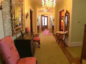 Kirstie Alley's foyer
