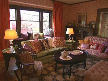 Kirstie Alley's living room