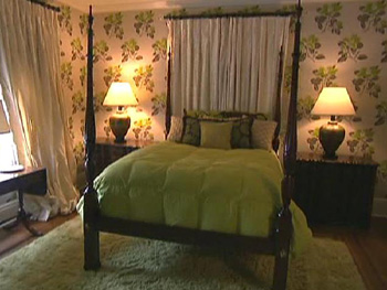 Kirstie Alley's bedroom