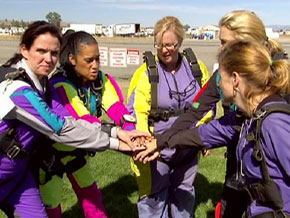 Ali Wentworth and her team of women get ready to sky-dive.