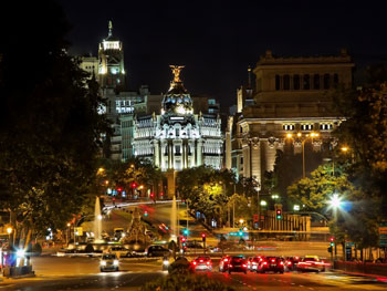 Night view of the Plaza de Cibeles