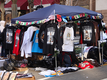 Tent selling President Obama t-shirts