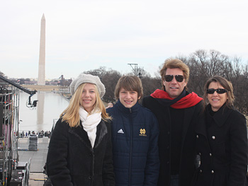 Jon Bon Jovi and his family in front of the Washington Monument