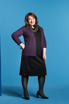 Lisa Kogan models an Old Navy dress.