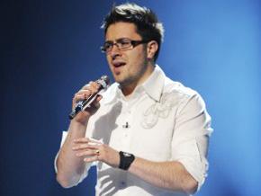 Danny Gokey on the American Idol Stage