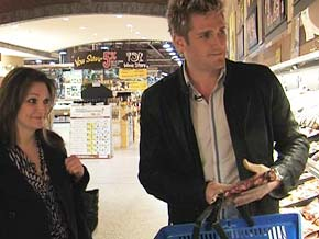 Chef Curtis Stone offers money-saving grocery tips.