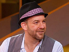 Kristian Bush talks about playing the fiddle.