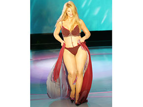 Kirstie Alley's bikini reveal