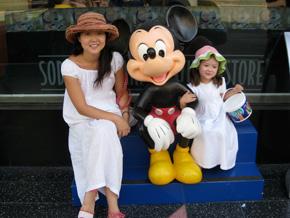 Euna Lee and her daughter, Hana