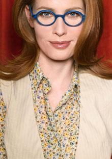 Model wearing eyeglasses